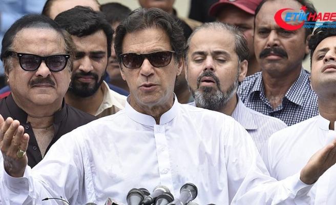Pakistan'da Han liderliğindeki PTI seçimi önde götürüyor