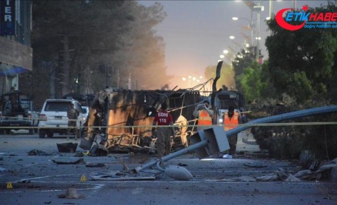 Pakistan'da iki mitingde bombalı saldırı: 29 ölü