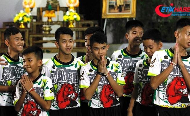 Tayland'da mağaradan kurtarılan çocuklar 'kutsanacak'