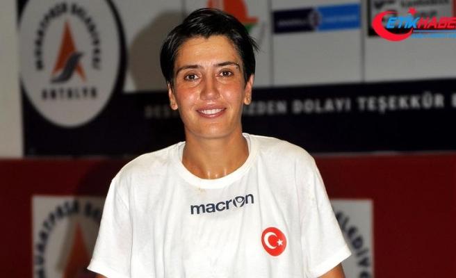 Türk hentbolunun 'Özel'ine transfer teklifleri yağıyor