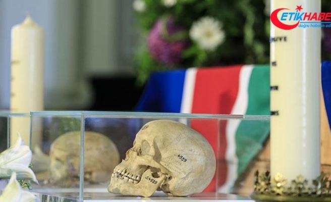 Almanya'nın teslim ettiği Herero ve Nama yerlilerinin kemikleri Namibya'da