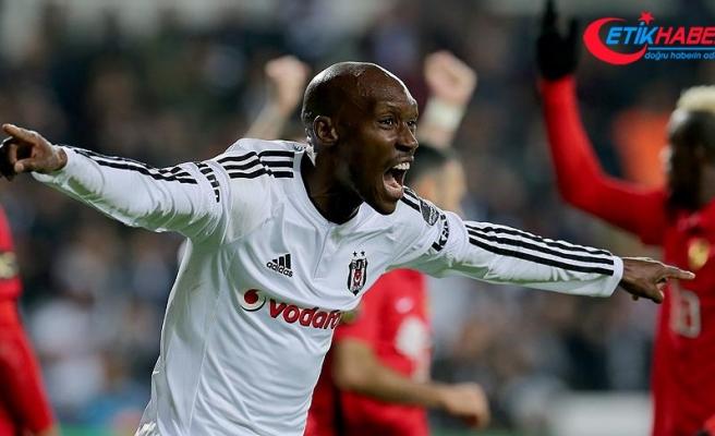 Beşiktaşlı futbolcu Atiba Hutchinson: Takıma katkı yapmak için sabırsızlanıyorum
