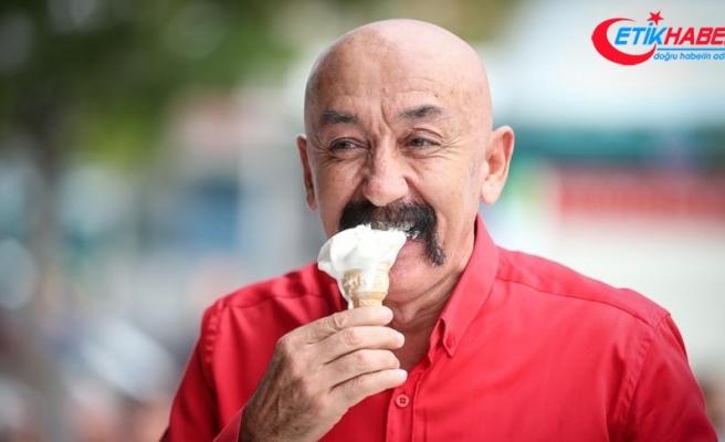 Bir ton 'Maraş dondurması' bir saatte tükendi