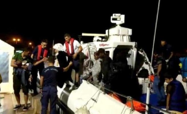 Çeşme'de 183 kaçak göçmen yakalandı