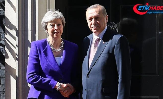 Cumhurbaşkanı Erdoğan, Birleşik Krallık Başbakanı May ile telefonda görüştü