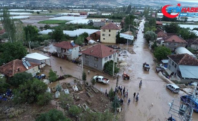 Elmalı'da sel tarım arazilerinde zarara yol açtı