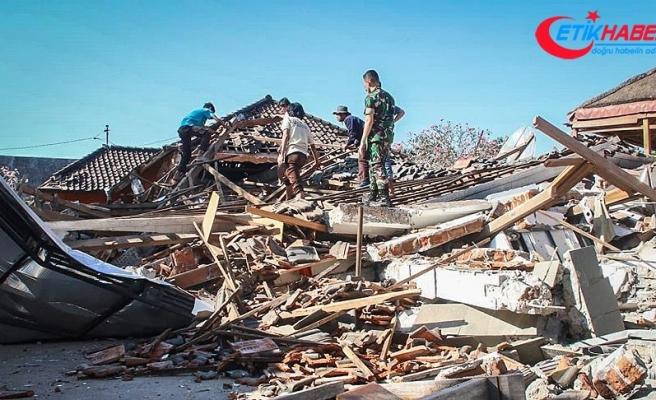 Endonezya'da 20 bin kişi tahliye edildi