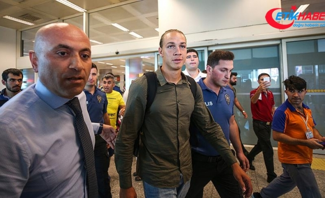 Fenerbahçe Michael Frey ile sözleşme imzaladı