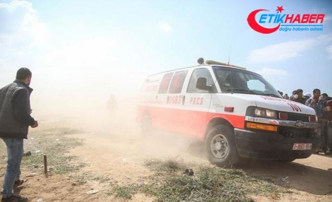 Gazze'de sağlık görevlisi, İsrail askerlerince şehit edildi