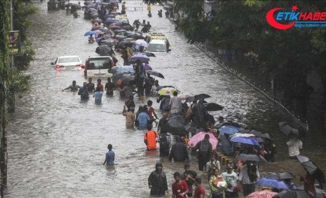 Hindistan'daki şiddetli yağışlarda 29 kişi öldü