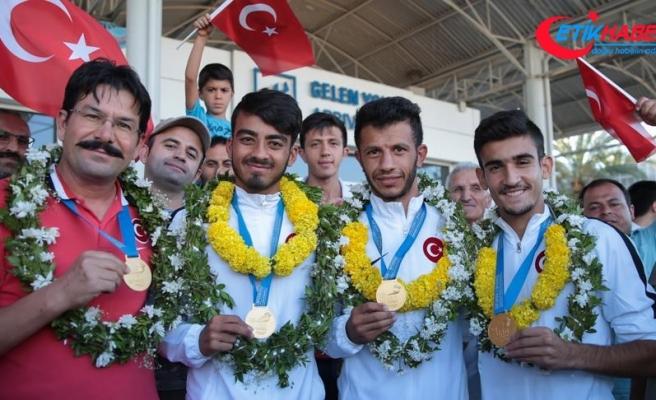 İşitme engelli şampiyonlar Antalya'da