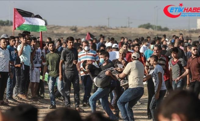 İsrail askerleri Gazze sınırında 220 Filistinliyi yaraladı