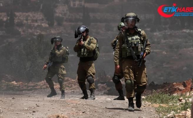 İsrail güçleri geçen ay 520 Filistinliyi gözaltına aldı
