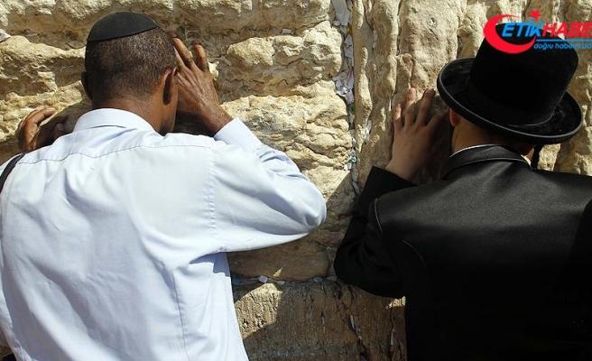 İsrail Yahudiler için Ağlama Duvarı'ndaki karma ibadet sahasını genişletiyor