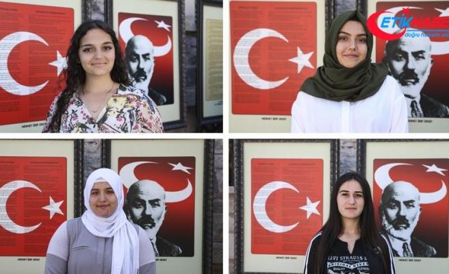 Kanada'dan gelen Türk gençleri kültürleriyle buluştu