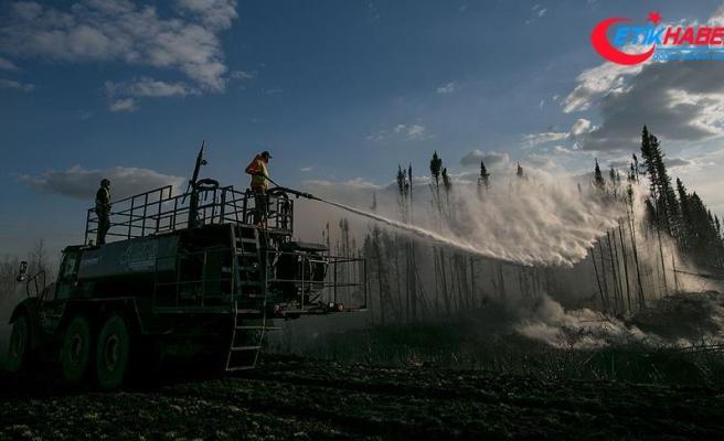 Kanada tarihinin en büyük orman yangını söndürülemiyor