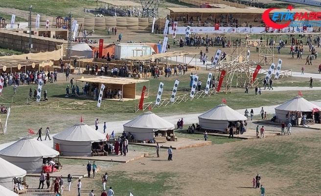 Malazgirt Zaferi etkinliklerine vatandaşlardan yoğun ilgi