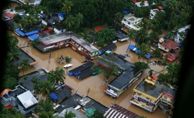 Muson yağmurlarının acı bilançosu: Bin 200 ölü