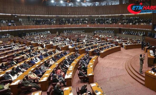 Pakistan'da yeni kabine açıklandı