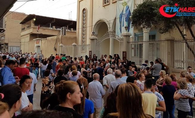 Suriyeli Hristiyanlar, YPG/PKK'nın okullarını kapatmasını protesto etti