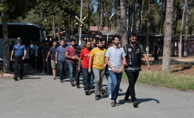 Adana'da 12 asker FETÖ'den tutuklandı