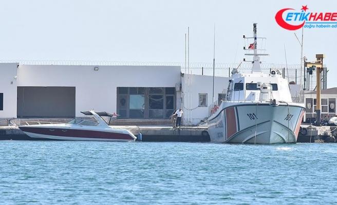 Bodrum'da düzensiz göçmenlerin bulunduğu lastik bot battı