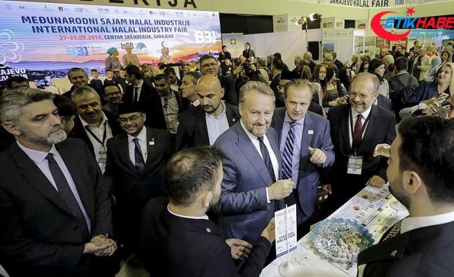 Boşnak lider İzetbegovic'ten Saraybosna Helal Fuarı'na ziyaret
