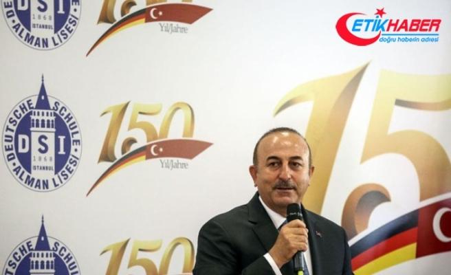 Dışişleri Bakanı Çavuşoğlu: Gençlerden öğreneceğimiz çok şey var
