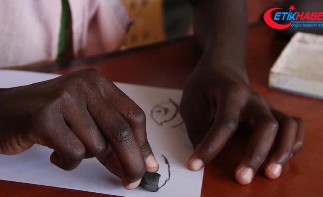 Ekvator Ginesi'ndeki FETÖ okulu TMV'ye devredildi
