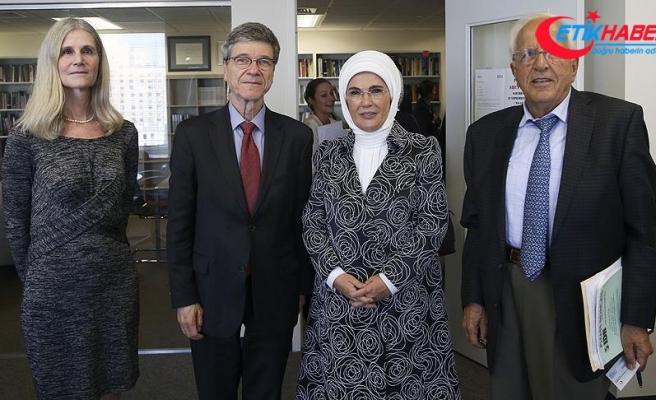 Emine Erdoğan, ekonomi profesörü Sachs ile görüştü