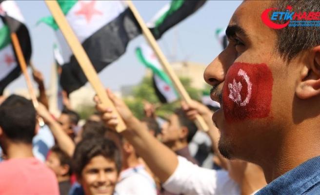 İdlib'deki rejim karşıtı gösterilerde Türkiye'ye teşekkür mesajları