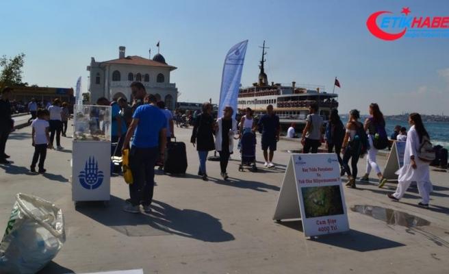 Kadıköy sahilinde dalgıçlar denizden çöp topladı