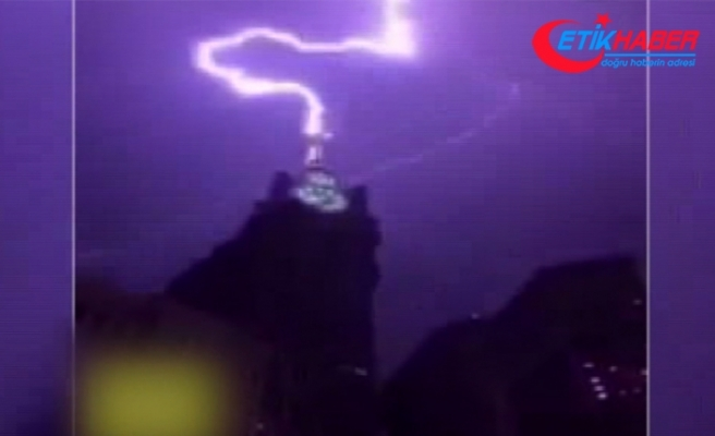 Mekke'de Kraliyet Saat kulesine yıldırım düştü