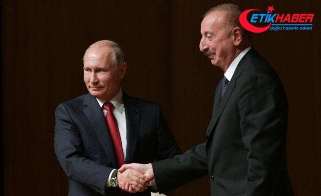 Putin Aliyev ile bir araya geldi