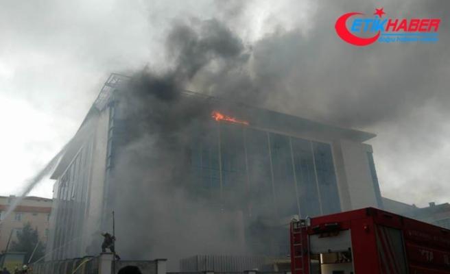 Sultangazi'de huzurevinde çıkan yangın kontrol altında