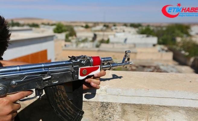 Terör örgütü YPG/PKK işgal ettiği Rakka'da köy basarak 7 sivili öldürdü