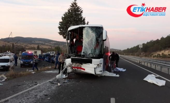 Uşak'ta otobüs kazası: 1 ölü, 26 yaralı