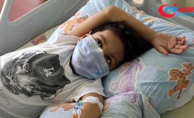Annesini kanserden kaybeden Bartu için uygun bağışçı aranıyor