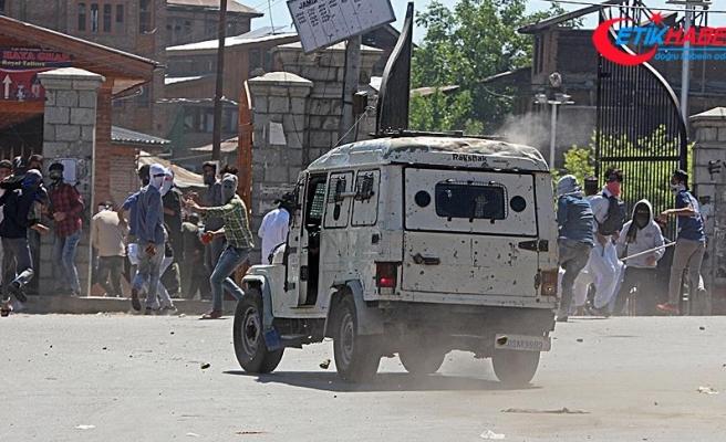 Cammu Keşmir'de çatışma: 3 ölü, 35 yaralı