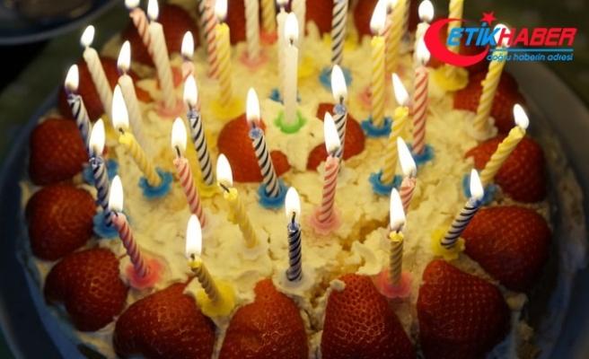 Doğum günü pastası 15 öğrenciyi hastanelik etti