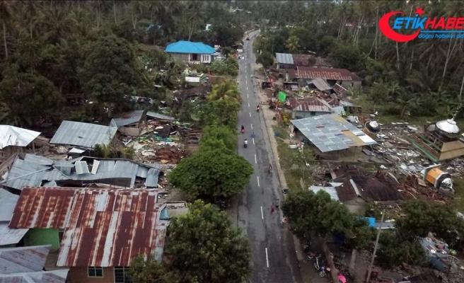 Endonezya'daki depremde ölü sayısı artıyor