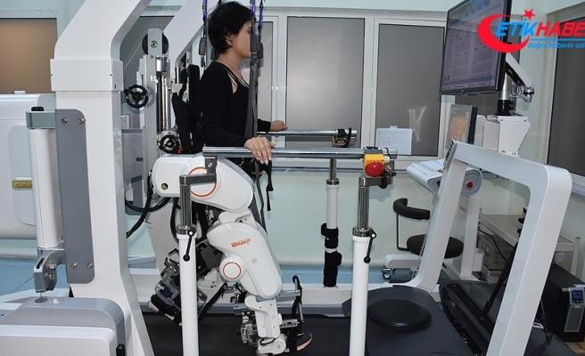 Kars'ta felçli hastalara 'robot'lu destek