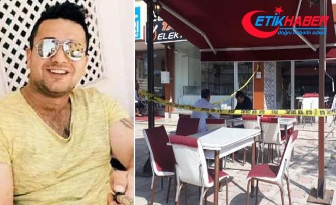 Sahibi olduğu kafede bıçaklandı, hastanede öldü