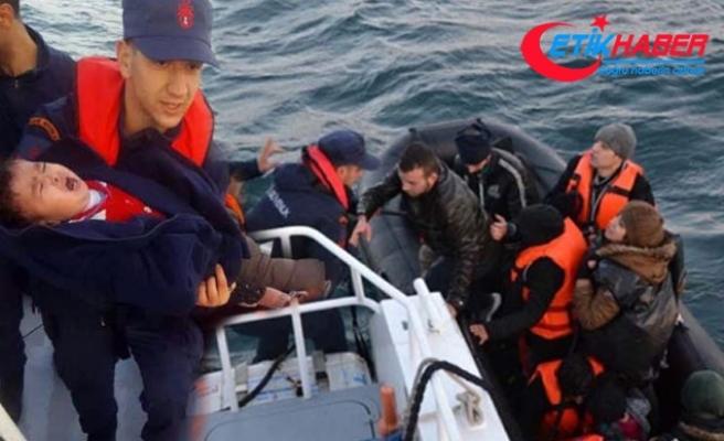 34 kaçak göçmen botları batmaya başlayınca Sahil Güvenlik'ten yardım istedi