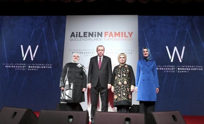 Cumhurbaşkanı Erdoğan: Milletimizin değerlerine düşmanlıklarını başörtüsü üzerinden yansıttılar