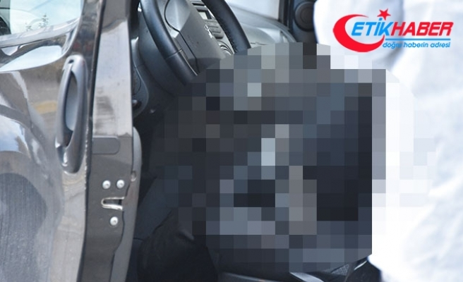 Aracının içinde bıçaklanarak öldürülmüş cesedi bulundu