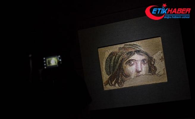 'Çingene Kızı' mozaiğinin parçaları evine döndü