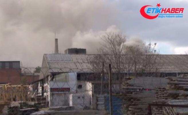 İstanbul'da Kartal'da plastik boru üreten fabrikada yangın