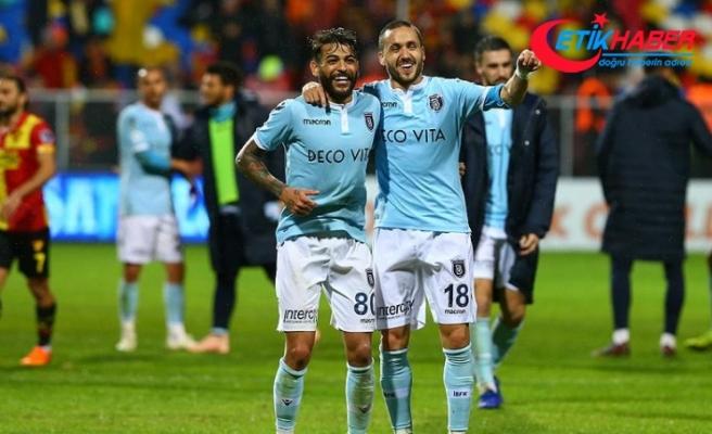 Medipol Başakşehir şampiyonluk yaşamış takımlara fark atıyor