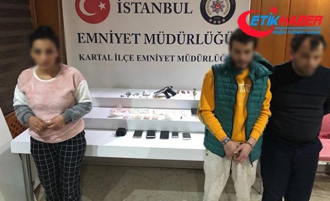 Uyuşturucu şüphelileri polisten kaçamadı